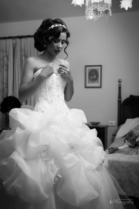 Vestido-de-la-novia-LuxFotografia