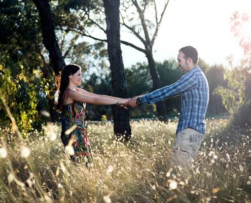 Sesion-preboda-novios-en-el-campo-luxfotografia